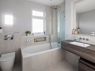 Tooting Whole House Renovation Classic style bathrooms by Model Projects Ltd Classic