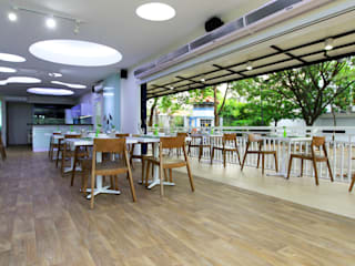 TWO DIFFERENT EXCITEMENT RESTAURANT & LOUNGE @ LIPPO CIKARANG PT. Dekorasi Hunian Indonesia (DHI) Gastronomi Modern