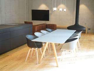 Salas de estilo minimalista de Helm Design by Helm Einrichtung GmbH Minimalista