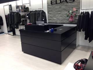 Falegnameria su misura Office spaces & stores Kayu Black