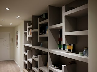studionove architettura Corridor, hallway & stairsDrawers & shelves Wood Grey