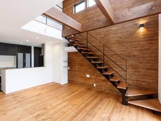 ストレート階段、クローズ階段: LobeSquareが手掛けた階段です。,