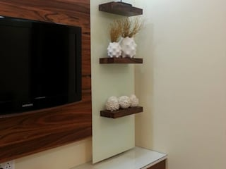 2bhk Residential project  :  Living room by Interiqo