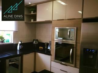 Aline Dinis Arquitetura de Interiores Cucina moderna Legno Beige