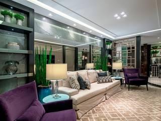 Salas / recibidores de estilo  por Spengler Decor