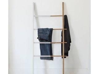 LOJA por GF Designers de Interiores Escandinavo
