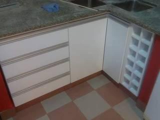 Amoblamientos de cocina:  de estilo  por Muebles AyM