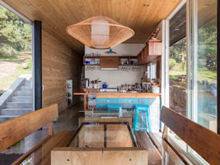 Crescente Böhme Arquitectos Built-in kitchens Wood Wood effect