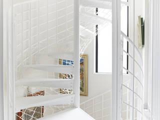 螺旋階段: LobeSquareが手掛けた階段です。,