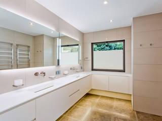 Villa in Vale do Lobo Casas de banho modernas por Gibson- Luxury Lifestyle Moderno