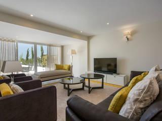 Villa Salas de estar modernas por Gibson- Luxury Lifestyle Moderno