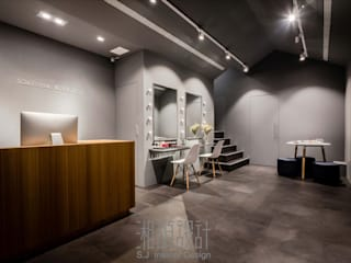 Commercial Spaces by 湘頡設計,