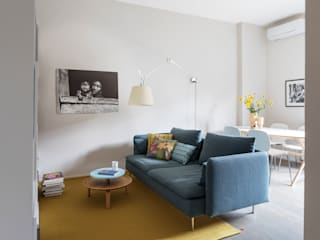 Bilocale per single Soggiorno eclettico di Euga Design Studio Eclettico