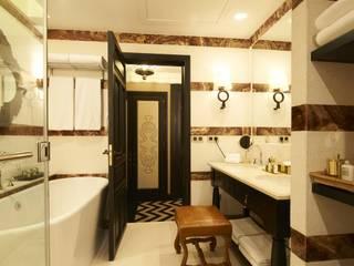 Classic style bathrooms by Ferreira de Sá Classic