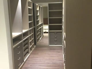 Modern style dressing rooms by Inca Arquitectura Modern Wood Wood effect