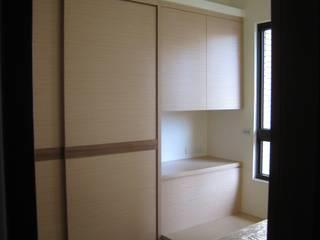 張小姐:  臥室 by Joy Full Interior Designer 佐輔室內裝修