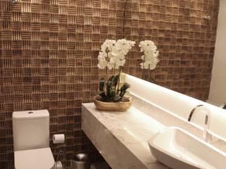Bathroom by Suelen Kuss Arquitetura e Interiores, Rustic