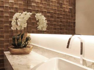 Lavabo: Banheiros  por Suelen Kuss Arquitetura e Interiores