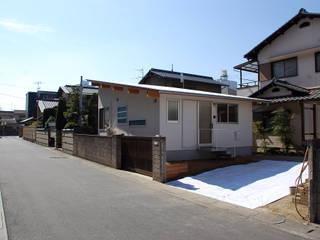 Rumah tinggal  oleh 丸菱建築計画事務所 MALUBISHI ARCHITECTS, Modern