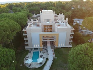 BOREAS CARILÓ: Casas multifamiliares de estilo  por Estudio Schulz