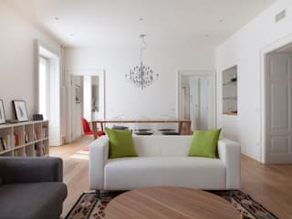 AM Family Flat Modern Living Room by Filippo Colombetti, Architetto Modern