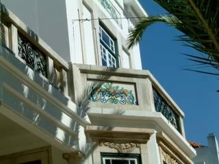 Pormenor da fachada:   por SPOT Obras
