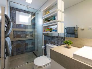 Banheiro infantil: Banheiros  por Espaço do Traço arquitetura,Moderno