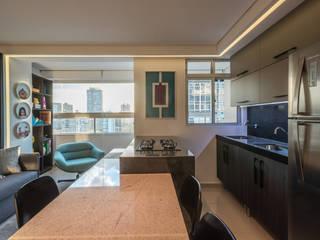 Гостиная в . Автор – Luiz Henrique Ribeiro arquitetura e design de interiores, Модерн