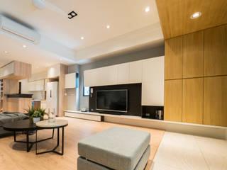 Salas de estilo moderno de 築本國際設計有限公司 Moderno