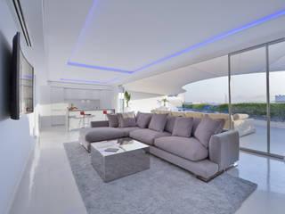 Top penthouse ibiza Comedores de estilo moderno de HTH DESIGN Moderno