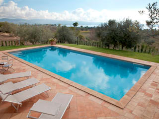 Classic style pool by Cotto Antiqua Classic
