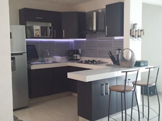 Cocina Integral: Cocinas equipadas de estilo  por Maref Arquitectos