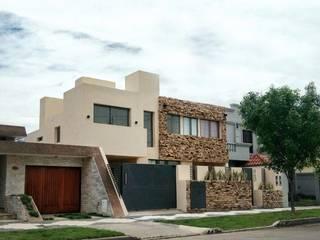VIVIENDA MULTIFAMILIAR WG - RÍO TERCERO de PRIGIONI Arquitectura y Diseño Moderno
