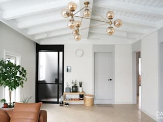 카라멜 디자인 스튜디오 Livings de estilo moderno Tablero DM Blanco