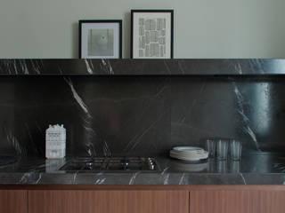 piano cucina: Cucina in stile  di andrea rubini architetto