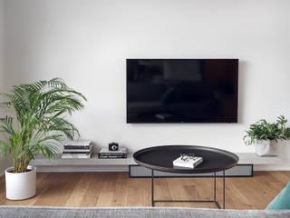 Apartament w Silver House: styl , w kategorii Salon zaprojektowany przez Studio Potorska