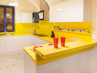 de POLİMER DECOR Mermer Masa Mutfak Ve Banyo Tezgahları Uygulama Merkezi Moderno