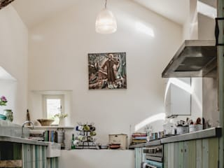 Award-Winning Listed Building Renovation Rustic style kitchen by Living Space Architects Rustic