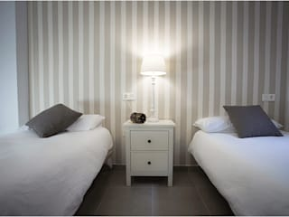 Dormitorio para invitados: Dormitorios de estilo  de Margarita Jiménez moreno