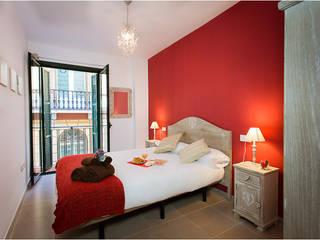 Apartamentos turísticos Franquelo Margarita Jiménez moreno Dormitorios de estilo moderno Rojo