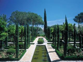 Vista Fuente Central: Estanques de jardín de estilo  de Margarita Jiménez moreno