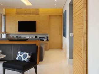 Apartamento Vila Mariana : Salas de estar  por Vertentes Arquitetura,Moderno
