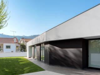 Casa Levada do Fojo | Fotografia de Arquitectura Casas modernas por Bruno Braumann - Fotografia de Arquitectura e Interiores Moderno