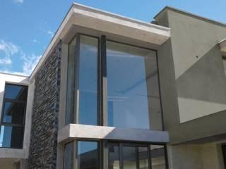 Nowoczesne domy od Azcona Vega Arquitectos Nowoczesny