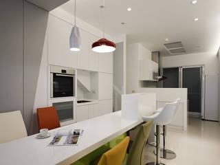 Ruang Makan Modern Oleh 瓦悅設計有限公司 Modern