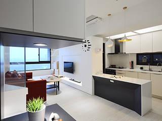 Ruang Keluarga Modern Oleh 瓦悅設計有限公司 Modern