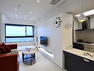 """甜蜜溫""""心""""風 现代客厅設計點子、靈感 & 圖片 根據 瓦悅設計有限公司 現代風"""