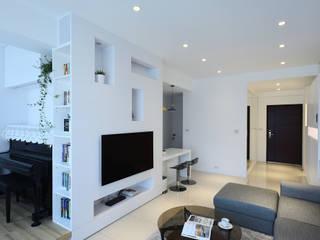 """""""淨""""謐植舒 现代客厅設計點子、靈感 & 圖片 根據 瓦悅設計有限公司 現代風"""