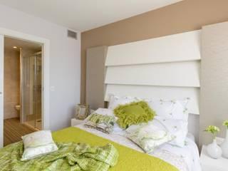 Vivir en vacaciones: Dormitorios de estilo  de Angélica Escolano - INTERIORISMO, S.L.