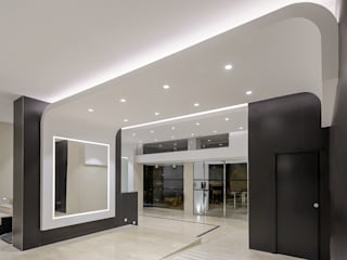Modern Corridor, Hallway and Staircase by HTH DESIGN Modern